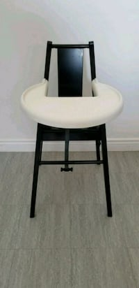 black and white wooden side table Laval, H7W 3G5