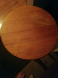 round brown wooden table top Kalamazoo, 49004