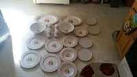 Mickey mouse dishes never been used  St Thomas, 17252