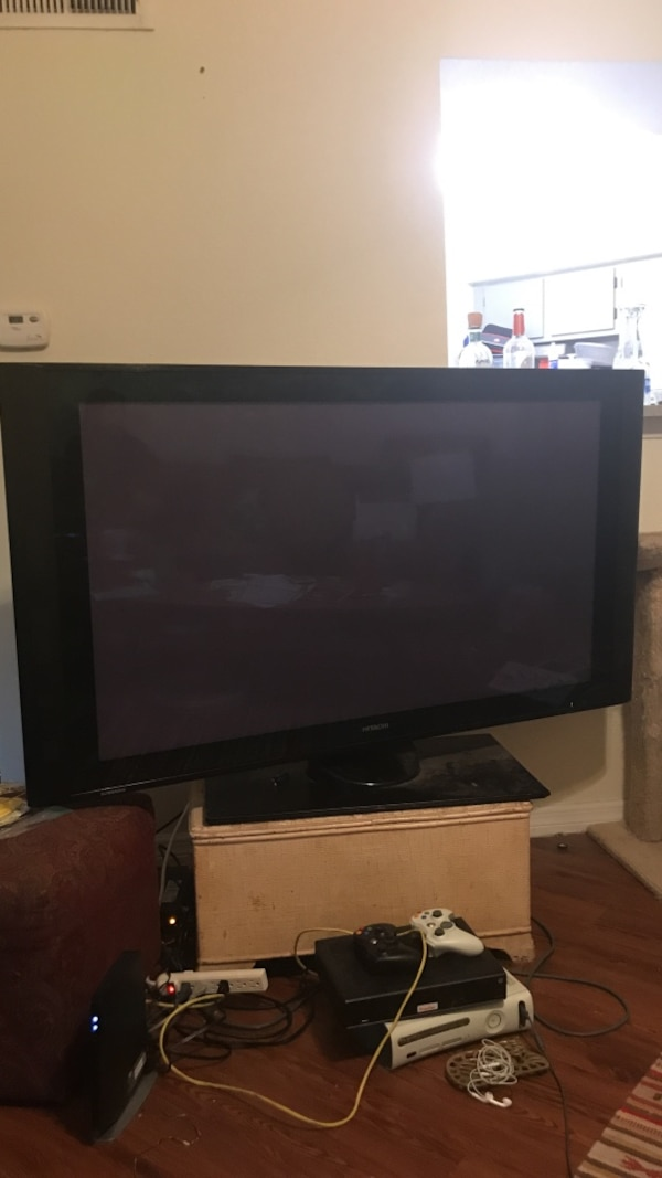 60 inch hitachi tv - old and heavy