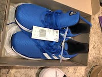 Adidas Running Shoe Blue Girls size 4. New and never worn.  Bethesda, 20816
