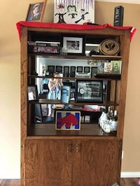 China cabinet  Red Deer, T4P 1S7