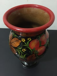 Red and green floral ceramic vase Reston, 20191