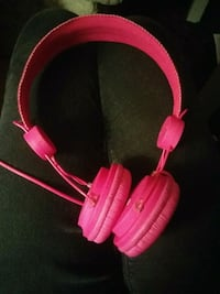 pink and white corded headphones Kitchener, N2C 2P8