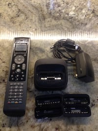 Old model ipod docking station with remote and headphone out Chicago, 60660