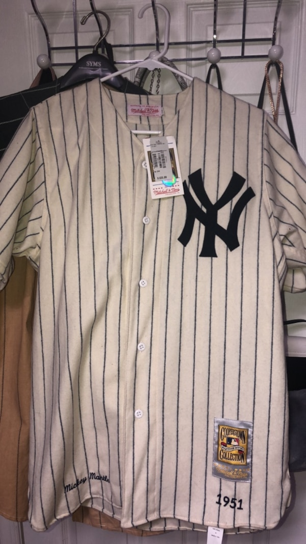 best cheap c937d 9ae90 Vintage Mickey Mantle Mitchell & Ness Jersey Memorabilia