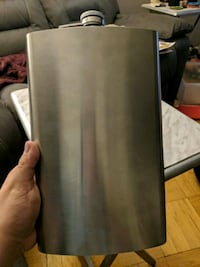 Large flask never used Toronto, M8Y 1Y9