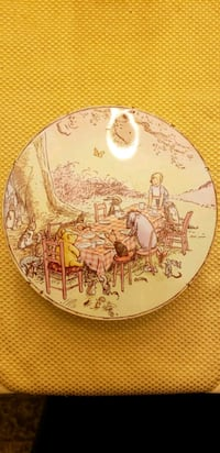"""Classic pooh 11"""" cookie tin Centreville"""