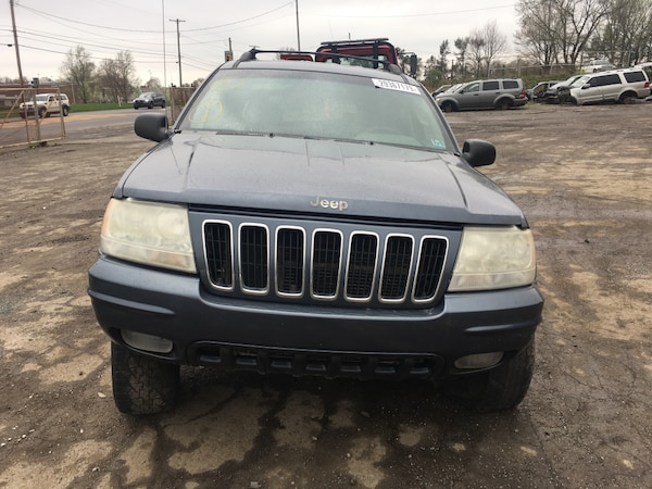 Parting out 2002 Jeep Grand Cherokee Limited 4x4