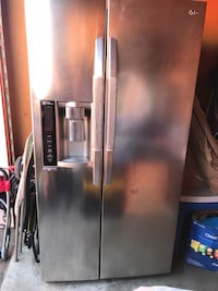 LG - 26.2 CU. FT. Side-by-side refrigerator - stainless steel Sacramento, 95815
