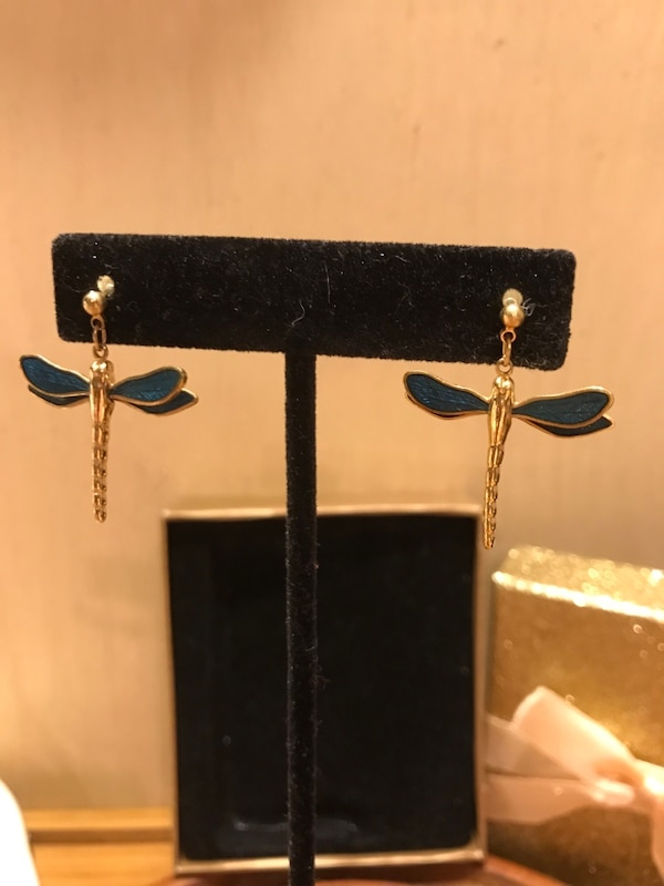 Pretty !!! Gold detailed Dragonfly Earrings 14a583c8-07c8-434d-bf3e-d6ef95157017