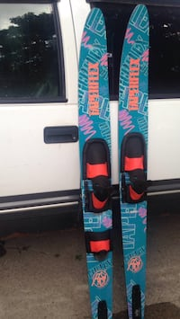 Red and blue snowboard with bindings Dearborn, 48124