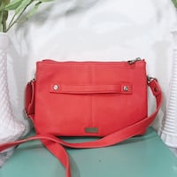 *New Never Carried* Jewell Thirty One Coral Crossbody Bag