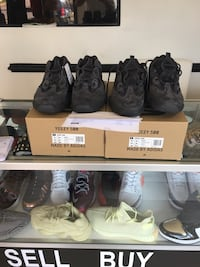 Yezzy 500 all black size 11 ds brand new with reciept Springfield, 22153