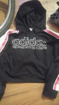 Adidas sweater brand new have tag just fell off  Winnipeg, R3B 2V9
