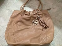 Michael Kors purse. pick up only !! Youngstown, 44510