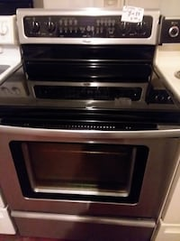 Whirlpool stove convection oven excellent condition  Halethorpe, 21227