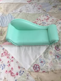 Barbie doll couch 1783 mi