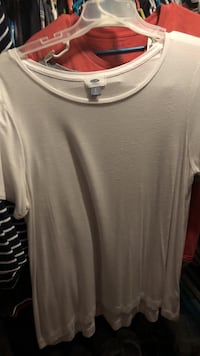 gray scoop-neck shirt Panama City Beach, 32413
