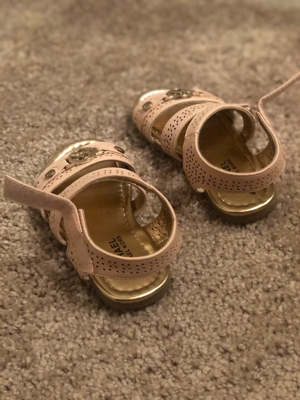 Toddler MK Light Pink Sandals Size 7 f1739db5-5a4f-43fe-8be5-23ed0993f816