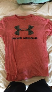 red Under Armour crew-neck t-shirt Port Moody, V3H 2W7