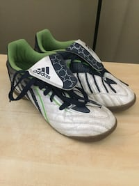 Adidas Indoor Soccer Shoes Size 6 West Kelowna