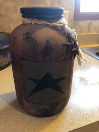 Primitive Jar that stands 10 inches high   Mount Wolf, 17347