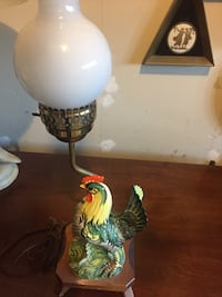 Vintage Italian ceramic roaster lamp. Richmond Hill, L4E 3W2
