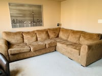 Great condition clean sectional couch for sale Toronto, M3L 0C9