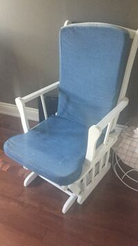 Rocking chair works great, might just need a new cushion Newmarket, L3X 2J3