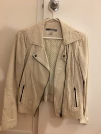 gray zip-up jacket Toronto, M4P 1Y5
