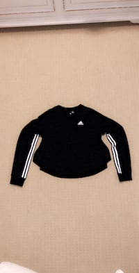 Womens adidas long sleve shirt size extra small.