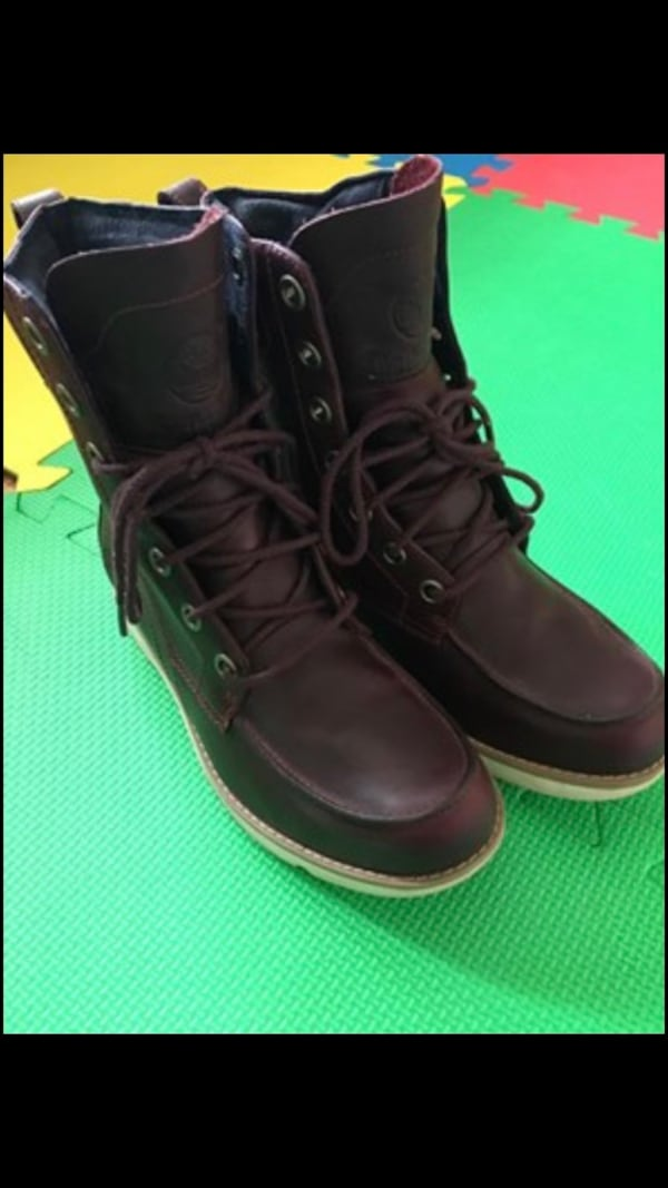 Timberland boots size 7 609b8484-a4d7-4516-afb8-87f4fba79eed