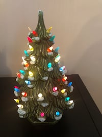 PPU - Vintage Ceramic Christmas Tree with Lights Markham, L3P 1X3