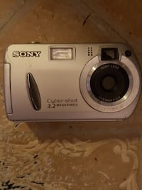 Digital camera sony Toronto, M4C 2L8