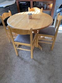 Kitchen table and chair set Omaha, 68127