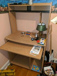 Small desk on wheels with hutch top