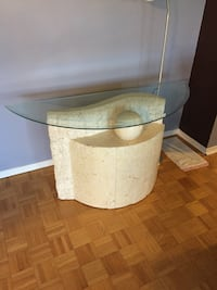 Side table ~~ would like to get this picked up today or tomorrow.  $75 obo I live on Ellesmere Road in Scarborough   Toronto, M1H