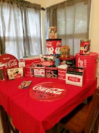 Various coca cola tins and collectibles Palmdale, 93550