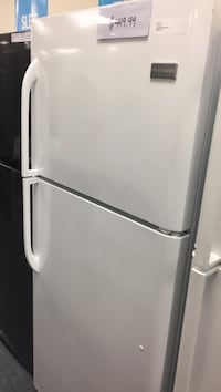 Frigidaire top mount 19 ft.³ new with manufactures warranty please ask for Lilly