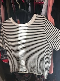 Black and white stripped shirt size: 2x