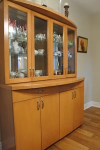 Custom designed  beautiful dunning room set  Solid maple and glass  Moving sale ! Downsizing from house to condo . Check my other items ! Toronto, M8V 0B7