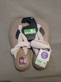 Brand New with tags Sanuk Yoga Sling size 8