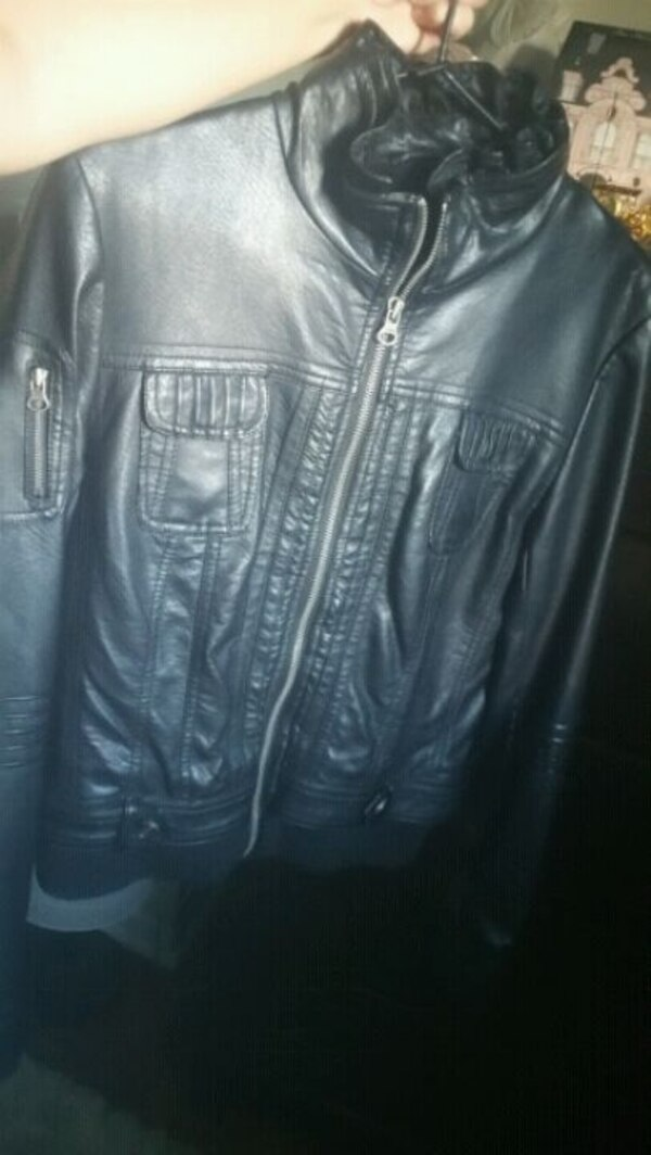 GUESS Faux Leather Jacket 0ffd56e0-8727-45eb-8f23-6cf87348482d