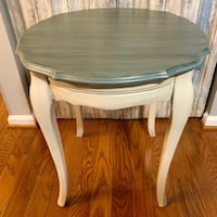 Scalloped Round Table