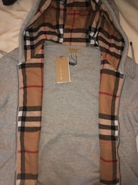 Authentic Grey Burberry Vintage Checked Hoodie Large Mississauga, L5B 4A1