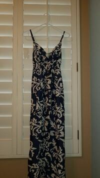 women's blue and white floral spaghetti strap dress