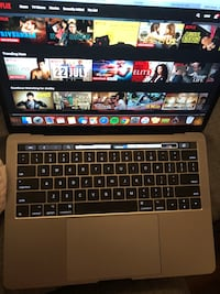 MacBook Pro with Touch Bar 2017 Guelph, N1H 1H6