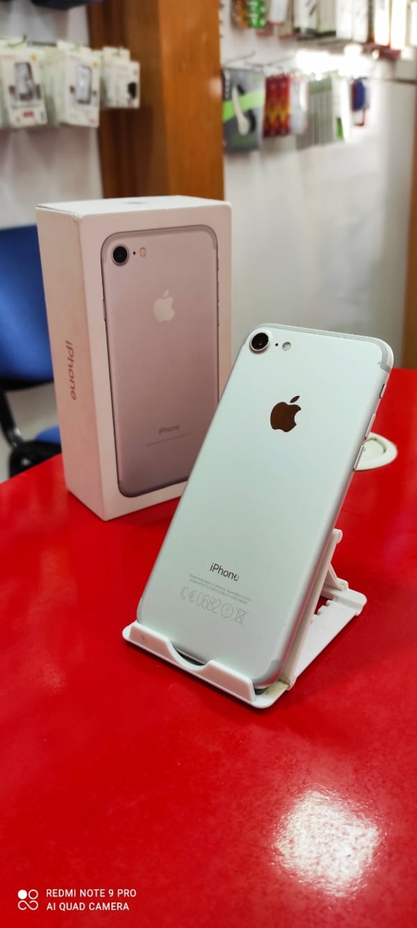 iPhone 7 32 GB 2ccccadf-0925-467e-8378-4c3601bcd7f5