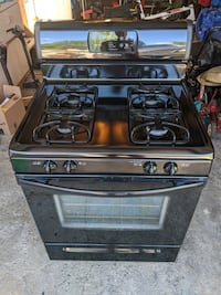 Frigidaire Gas Stove / Oven